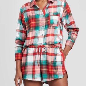 Plaid Christmas shorts set